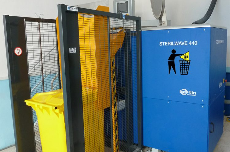 Sterilwave 440 tray unloading process
